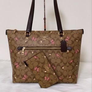 New💃Coach Gallery Tote Butterfly Print and Wallet